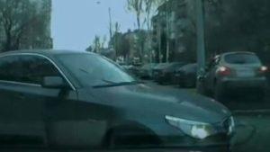В Запорожье на Гагарина водитель BMW спровоцировал ДТП, — ВИДЕО