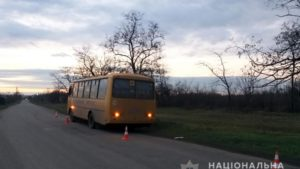 На Запоріжжі у ДТП потрапили шкільний автобус та автоцистерна, – ФОТО