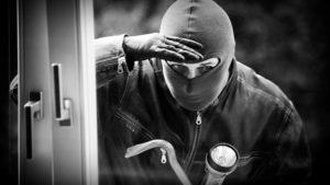 У Запоріжжі 18-річний хлопець промишляв крадіжками з квартир