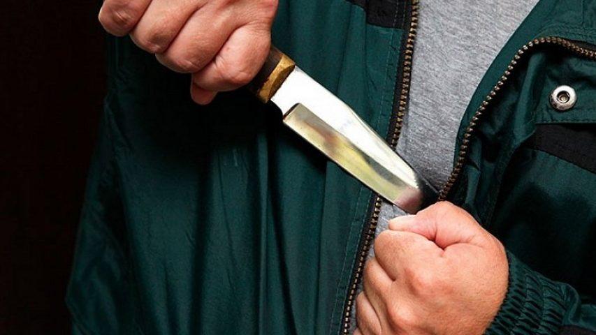 У Запорізькій області в квартирі знайшли чоловіка з ножем в серце