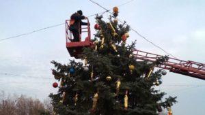 У Запоріжжі з новорічної ялинки вкрали гірлянду