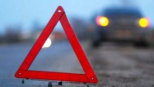 На запорізькій трасі зіткнулися автівка та скутер: помер чоловік