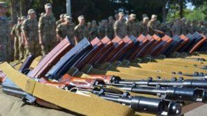 Міноборони обіцяє не призивати в армію 18 та 19-річних українців примусово