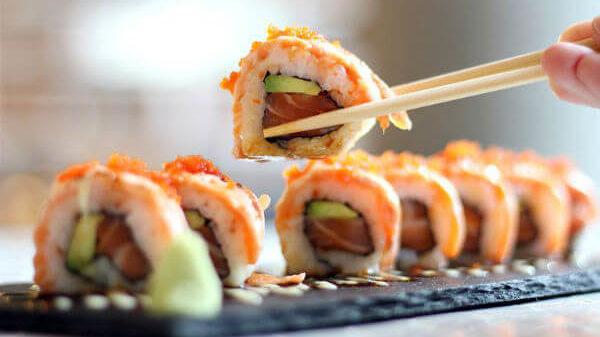 Запорізька доставка японської їжі, через яку отруїлися містяни, продовжує працювати