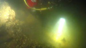 Запорожский дайвер разыскивает затонувшую психбольницу времен меннонитов, — ВИДЕО
