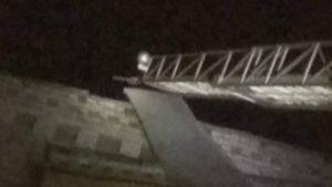 Через пориви вітру у Запоріжжі постраждали дахи багатоповерхівок, — ФОТО