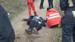 Зістрибнув з моста: в Запоріжжі наклав на себе руки 16-річний хлопець, — ФОТО (18+)