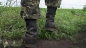 Втік з частини та відібрав дорогий iPhone: у Запоріжжі засудили солдата-дезертира