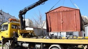 У Запоріжжі починають демонтувати незаконні металеві гаражі та паркувальні бар'єри, – АДРЕСИ
