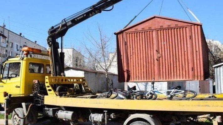 В Запорожье начинают демонтировать незаконные металлические гаражи и парковочные барьеры, – АДРЕСА