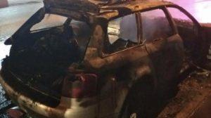 В Запорожье на Сикорского огонь полностью уничтожил иномарку, – ФОТО
