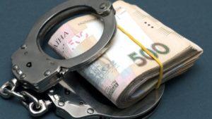 В Запорожье водитель-нарушитель пытался подкупить полицейских