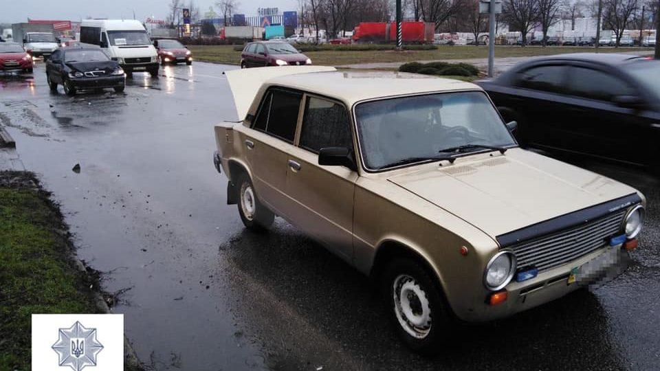 В Запорожье на Прибрежной магистрали столкнулись два автомобиля, — ФОТО