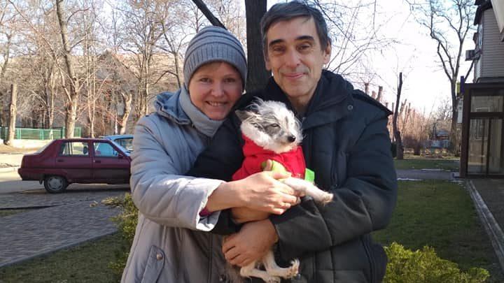 Собака, которую запорожец выбросил под поезд, получила новую семью, — ФОТО