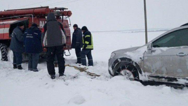 За добу запорізькі рятувальники 36 разів виїжджали на допомогу автомобілістам