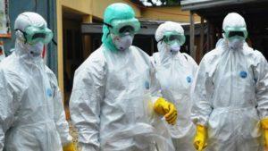 Працівникам обласної інфекційної лікарні роздали захисні костюми, — ЗМІ