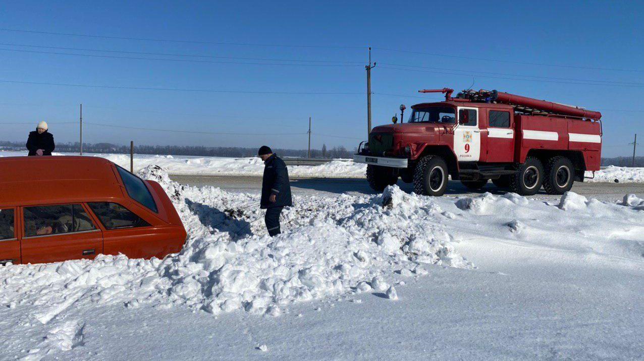 За последние сутки в Запорожской области из непогоды спасли 8 человек