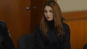 Бердянська студентка заплатить штраф за споювання малолітньої подруги