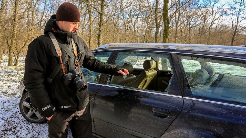 На Хортиці відомому фотографові розбили скло в автомобілі, — ФОТО