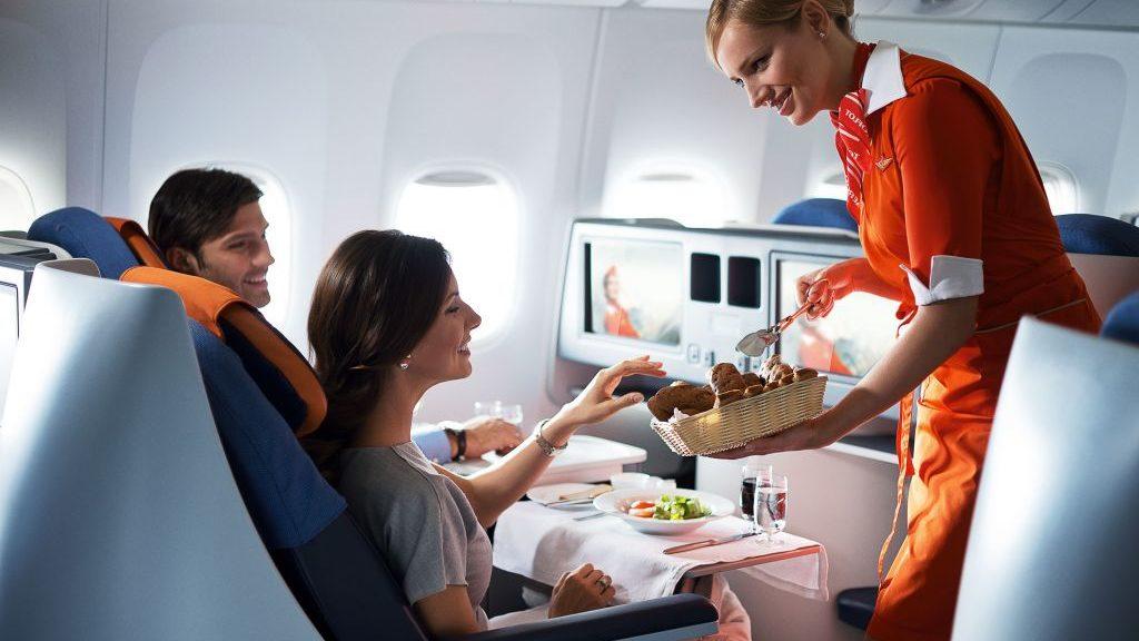 Пасажири авіарейсів Запоріжжя — Київ зможуть купувати їжу та напої на борту