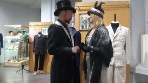 У Запоріжжі відкрилася виставка модного одягу XX століття, — ФОТО