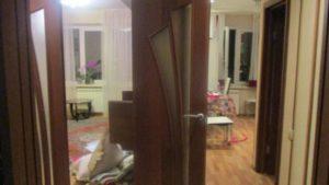 В Запорожье грабитель ворвался в квартиру, связал хозяйку и угрожал ножом, — ФОТО