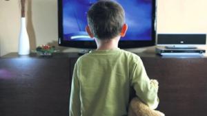 В Запорожской области на 4-летнего ребенка упал телевизор: малыш в больнице