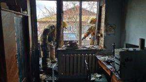 В Мелітополі небайдужі містяни врятували з пожежі двох дівчаток, — ФОТО