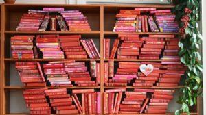 У Запоріжжі створили велику валентинку зі ста тисяч сторінок, — ФОТО