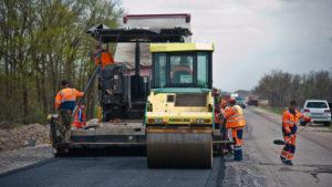 На ремонт доріг у Запорізькій області виділять майже мільярд гривень: які траси відремонтують