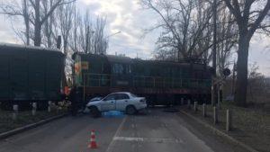 У Запоріжжі відбулася чергова смертельна ДТП на залізничному переїзді, — ВІДЕО 18+