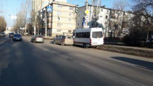В Запорожье на Космосе водитель маршрутки устроил ДТП, – ФОТО