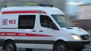 8-летняя жительница Запорожья получила много травм, упав с дерева