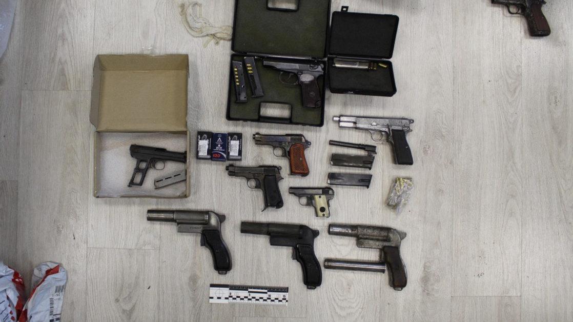 У начальника с запорожской ГСЧС нашли арсенал оружия и боеприпасы, – ФОТО