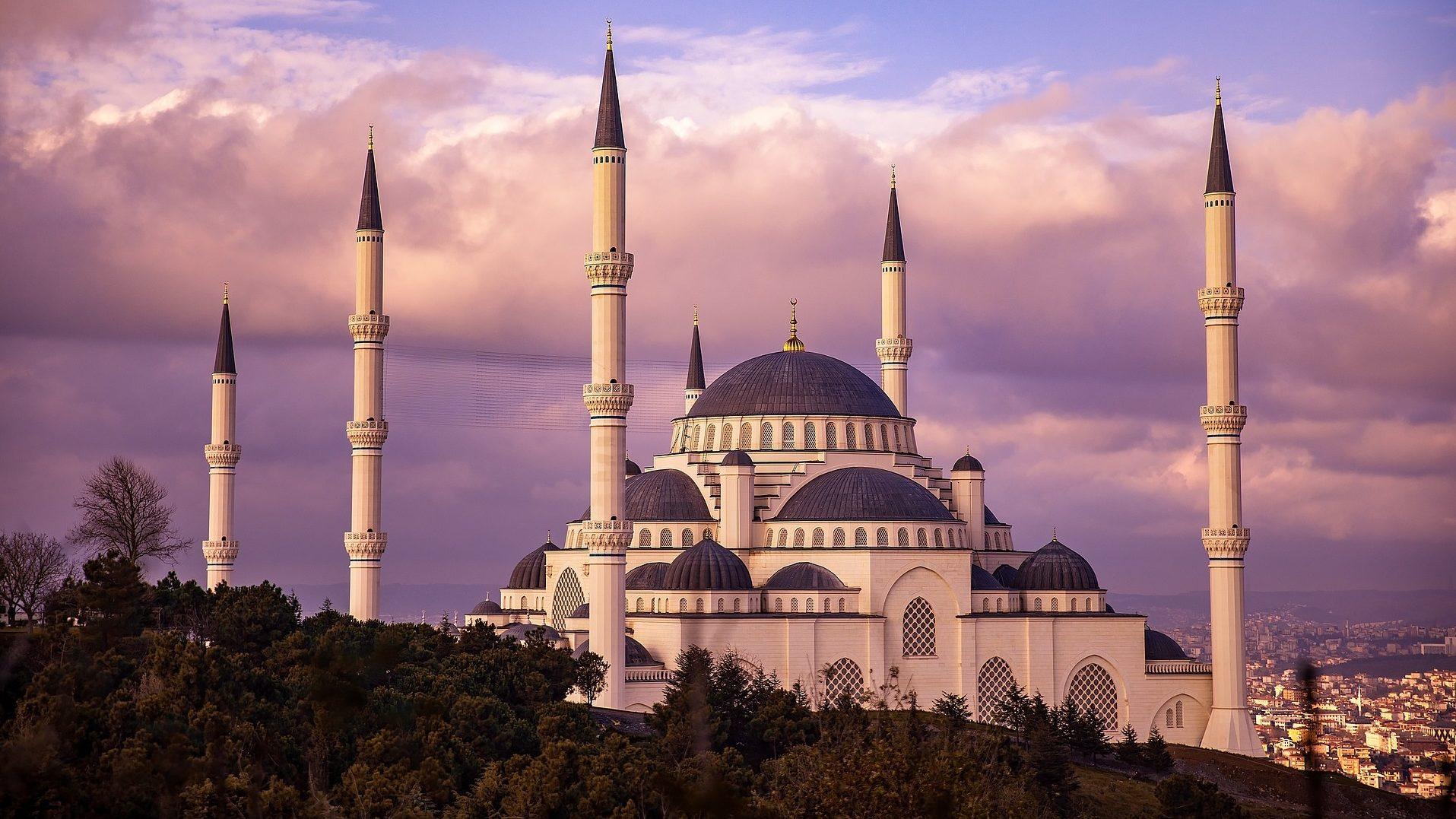 Авіарейсів з Запоріжжя до Стамбула побільшає