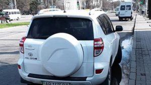 Запорізькі водії, які припаркувались на зупинці громадського транспорту, отримали штрафи, — ФОТО