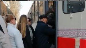 Как запорожцы игнорируют распоряжение об ограничении количества людей в общественном транспорте, — ВИДЕО