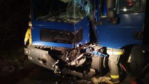 В Мелітопольському районі у ДТП потрапили дві вантажівки: одного з водіїв довелось діставати з авто, — ФОТО