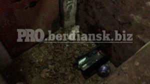 В Запорізькій області оголений хлопець вистрибнув з 5 поверху та потрапив у ДТП