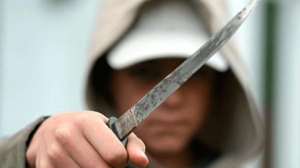 В Запорізькій області молодик штрикнув ножем пенсіонерку