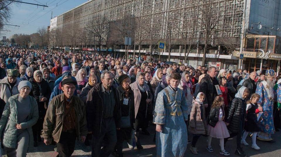 В Запорожье на 8 марта состоялся массовый крестный ход Московского патриархата, – ФОТО
