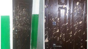 В Запорожской области женщина порубила топором дверь соседа: поссорились из-за курения