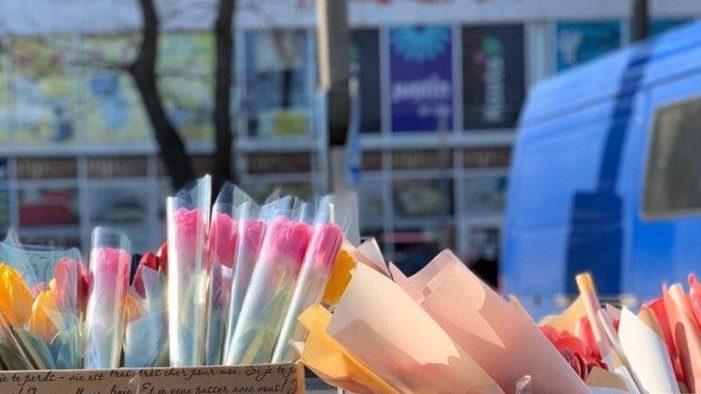 На Запоріжжі помічений креативний продавець квітів, — ФОТО