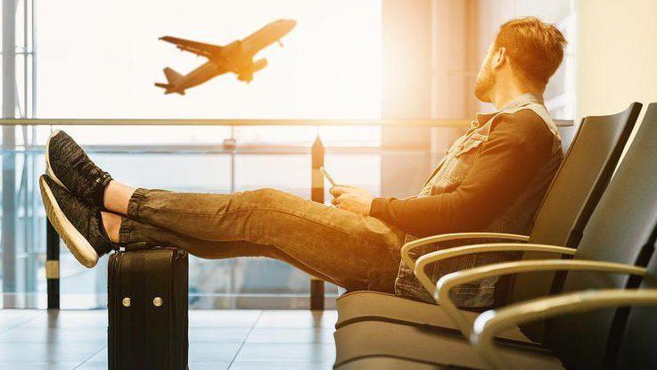Куди дзвонити запорожцям, щоб дізнатися затримується, або скасований авіарейс?