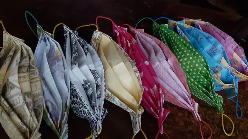 Без паники: в Запорожской области нашли способ самостоятельно делать маски, — ФОТО, ВИДЕО