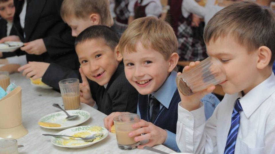 Мер Запоріжжя запропонував експериментально впровадити нову систему харчування в одній з міських шкіл