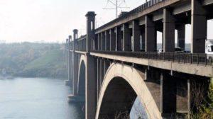 В Запорожье временно остановят движение на мосту Преображенского
