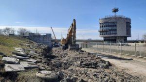 На площади Запорожской начался новый этап реконструкции: готовятся к возведению опорных стенок, – ФОТОРЕПОРТАЖ