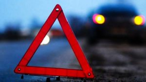 На запорожской трассе водитель грузовика насмерть сбил девушку и сбежал с места ДТП, – ФОТО