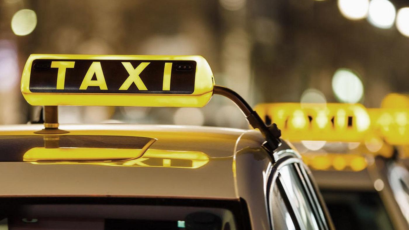 Запорожские таксисты оборудуют авто защитными перегородками против коронавируса, – ВИДЕО